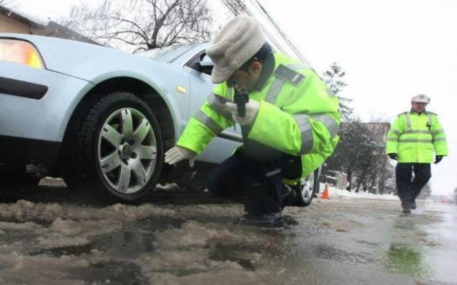 Recomandări de la poliţişti pentru a circula în siguranţă