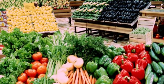 Mărfurile româneşti, sufocate de cele de import