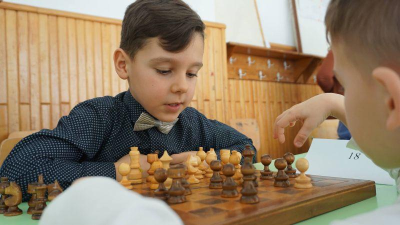"""Cine sunt câştigătorii concursului de şah """"Paul Mustață"""""""