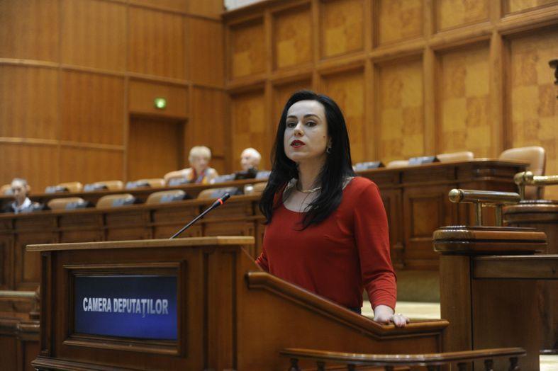 Simona Oprescu: Ne dorim să transmitem tuturor românilor încrederea că îşi pot construi viitorul aici, acasă