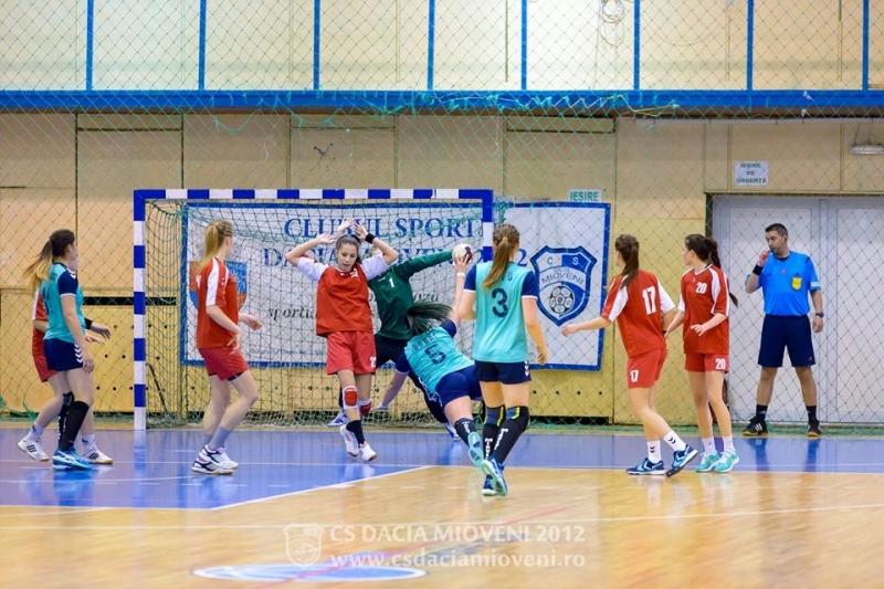 Handbalistele de la CS Dacia Mioveni 2012 s-au calificat la Turneul SemiFinal!