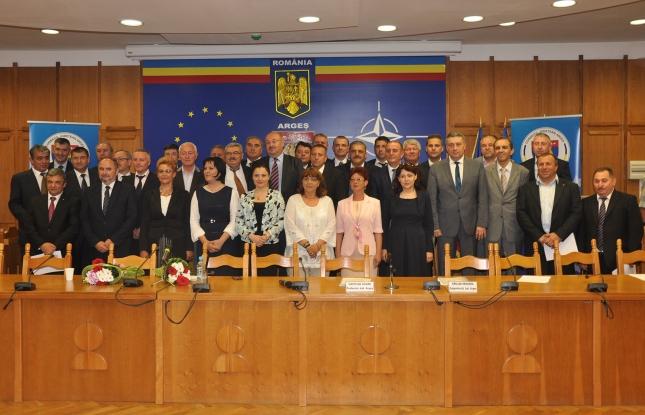 Cine face jocurile în Consiliul Judeţean