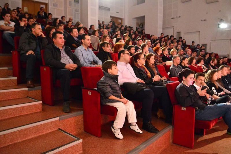 Mioveni: Gheorghe Ifrim, spectacol electrizant, cu sala plină