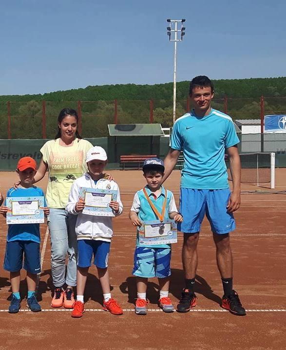 Două medalii pentru CS Dacia Mioveni 2012, la tenis de câmp