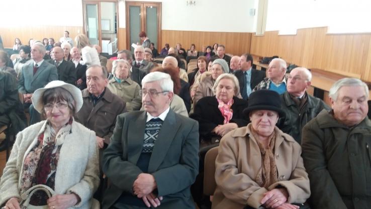 51 de cupluri, premiate la Primăria Piteşti