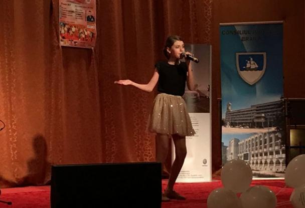 La 12 ani, o piteşteancă a câştigat un concurs naţional