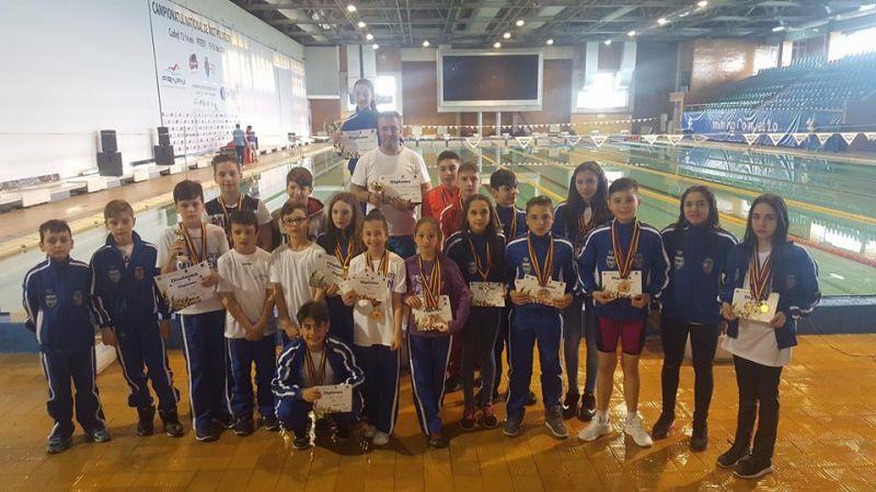 Înotătorii din Mioveni au câștigat 50 de medalii, la cupa lalelelor