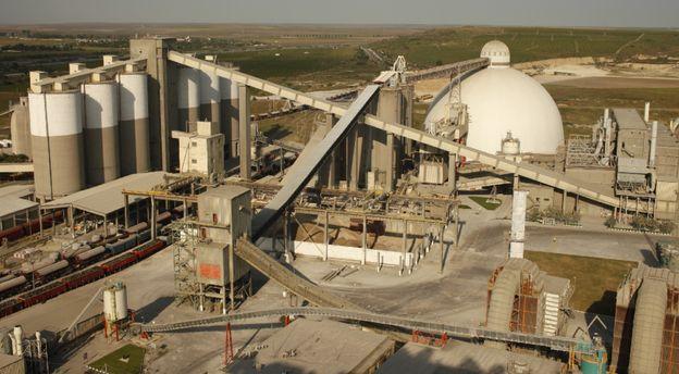 Producătorii de ciment în vizorul inspectorilor ITM