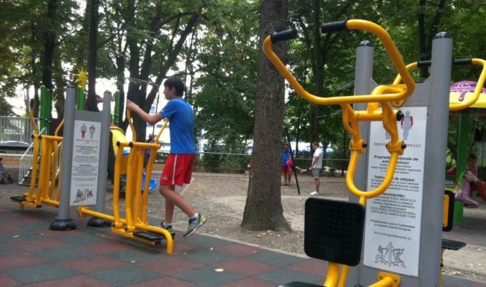 Noi aparate de fitness în aer liber în Piteşti