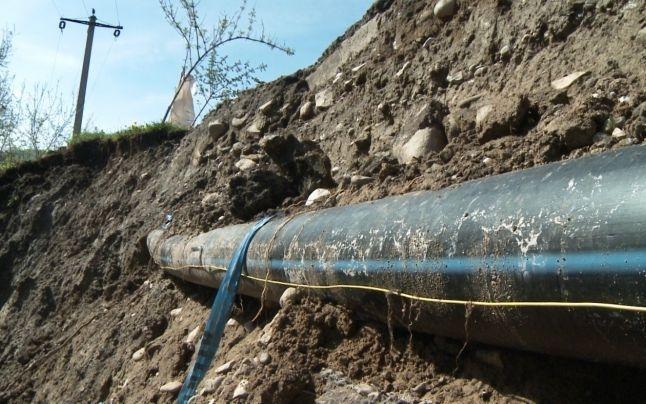 Conducte noi de apă la Buzoeşti