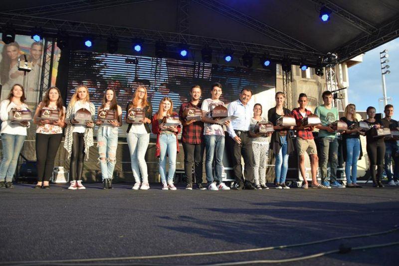 Tinerii în prag de majorat din Mioveni vor fi premiaţi de zilele oraşului