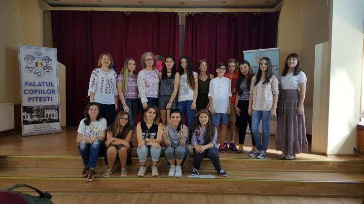 La Palatul Copiilor Pitești elevii petrec vara intercultural