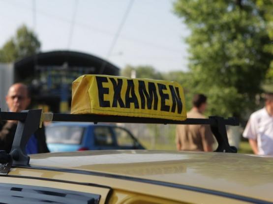Examenul pentru obţinerea permisului auto va fi filmat