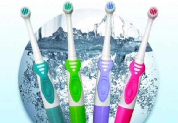 Rabla pentru periuţe de dinţi în Piaţa Primăriei Piteşti