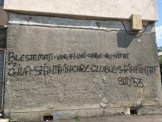 Blestemul fanilor lui FC Argeş!