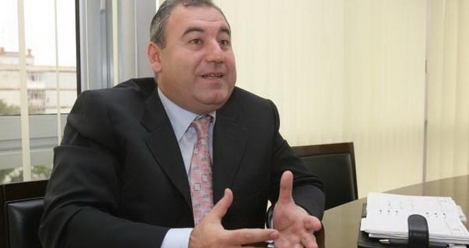 O firmă din Argeş cumpără spaţiile lui Dorin Cocoş