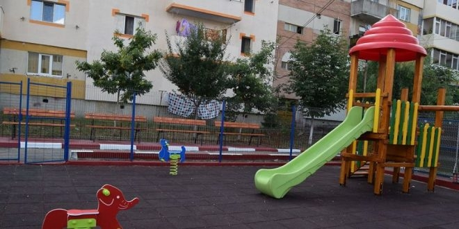 Noi locuri de joacă modernizate în Piteşti