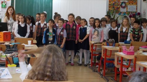 Peste 200 de clădiri şcolare din Argeş nu au avize ISU
