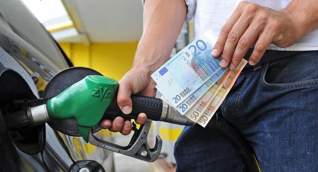 Noi creşteri ale preţului carburanţilor