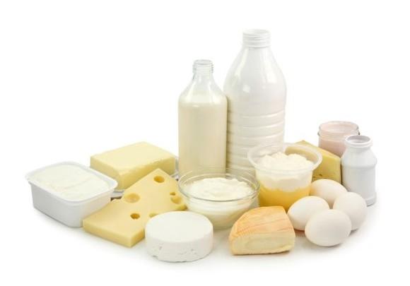 Amenzi pentru producătorii şi comercianţii de lapte