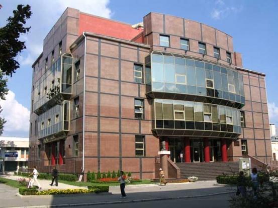 Bogdan Ficeac lansează o carte la Biblioteca Judeţeană Argeş