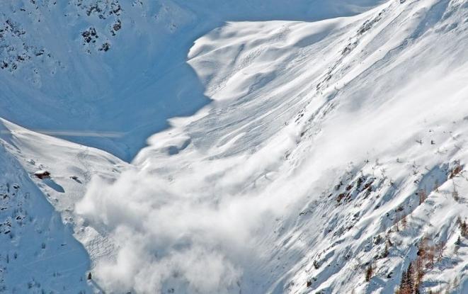 Risc ridicat de avalanşă în Făgăraş
