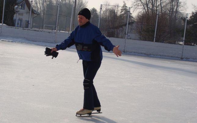 S-a deschis patinoarul din centrul Piteştiului