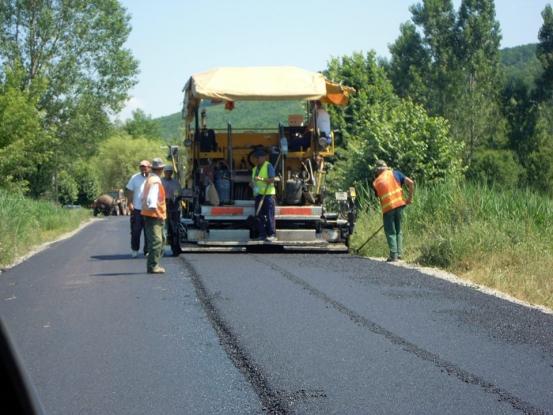 5 milioane pentru drumul Bradu - Costești