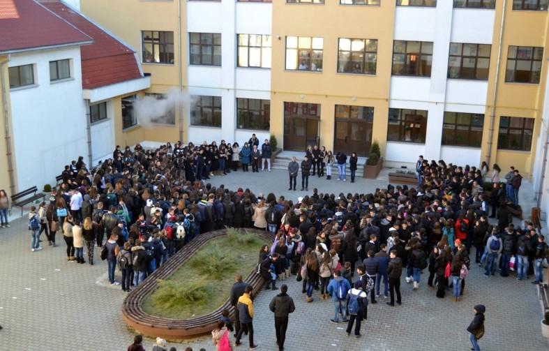 Plăţi nelegale la liceul Iulia Zamfirescu din Mioveni