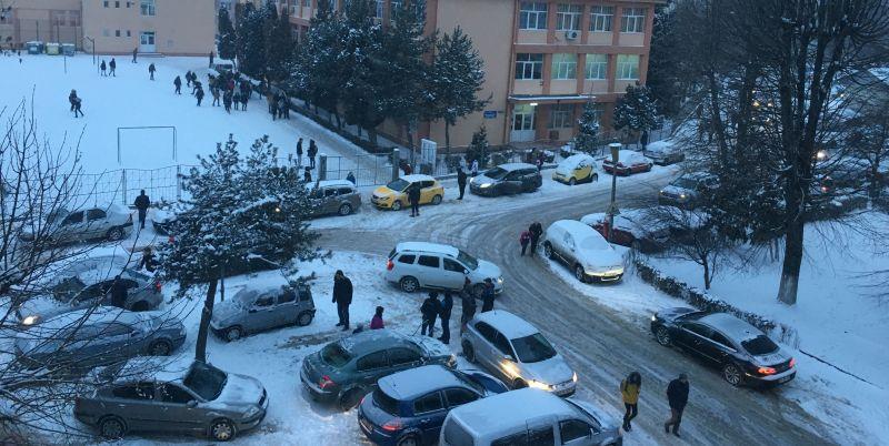 Viscolul închide școlile din Căldăraru, Moșoaia și alte 14 comune