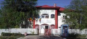 Fostul primar din Mozăceni şi-a tras spor de doctorat