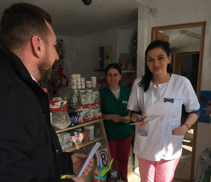 ALDE Pitești, flori pentru medicii de familie