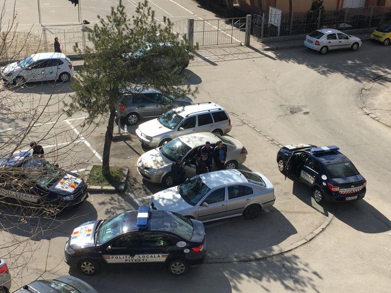 Rușinos! Aceasta este imaginea Poliției Locale Pitești (VIDEO)