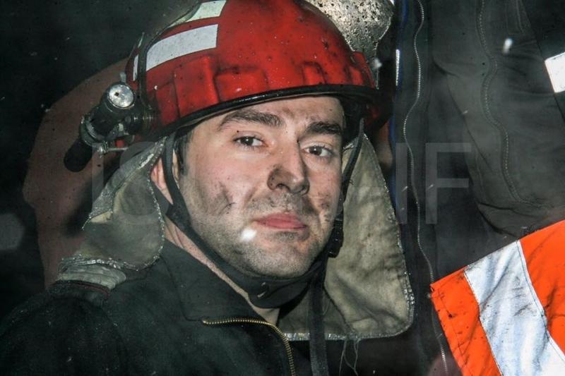 """Bloc """"înnecat"""" în fum! Pompierii au intervenit"""