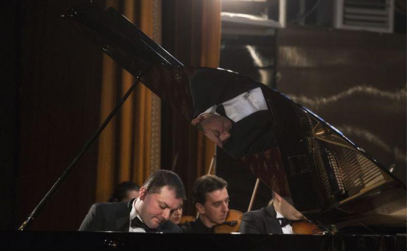Concert pentru pian şi orchestră la Filarmonica Piteşti
