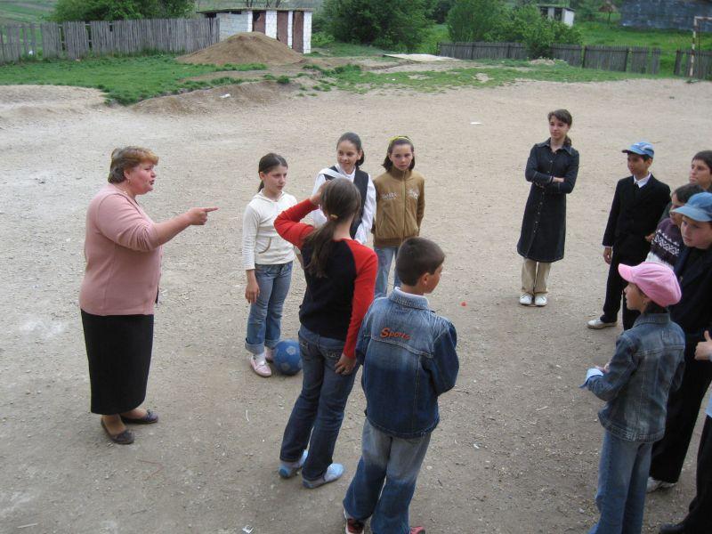 Profesorii și învățătorii vor fi testați psihologic