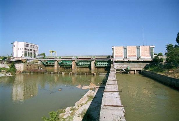 Metabet repară barajul Prundu