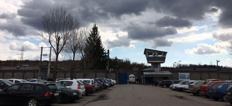 Ai idee ce salarii primesc angajații de la penitenciarul Mioveni?