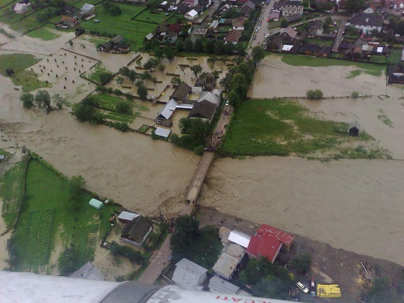O comună din Argeș scapă de inundații