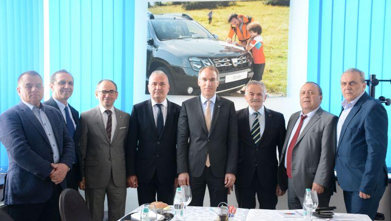 Administrația publică din Argeș, întâlnire cu conducerea de la Dacia