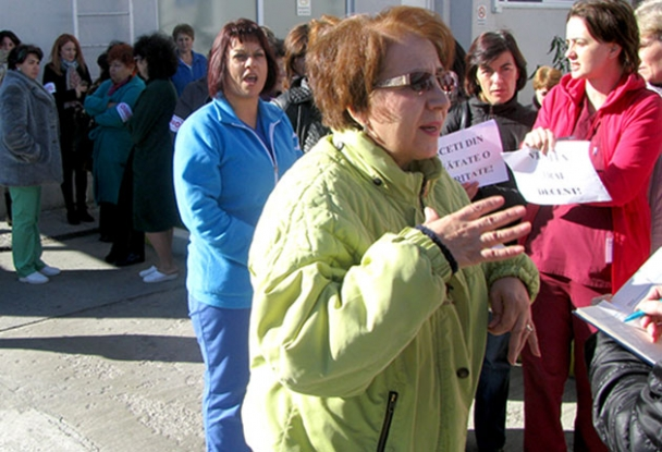 Sindicaliştii Sanitas din Argeş - protest la Guvern