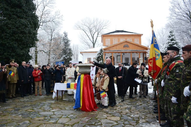 Flacăra Centenarului – de la Argeș, la Iași