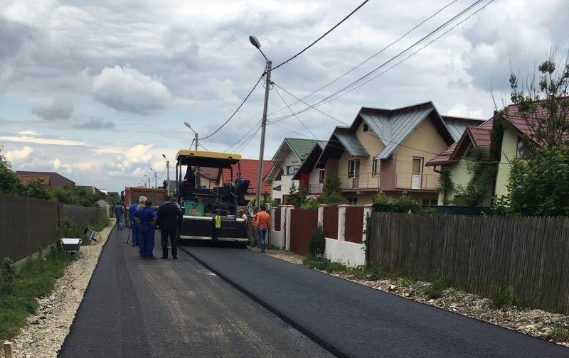Se asfaltează drumurile de la Popești