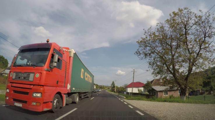 O firmă din Cluj face trotuare la Drăganu în Argeş
