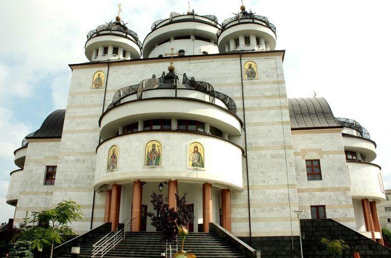 Catedrala de la Mioveni asigurată contra incendiilor și cutremurelor