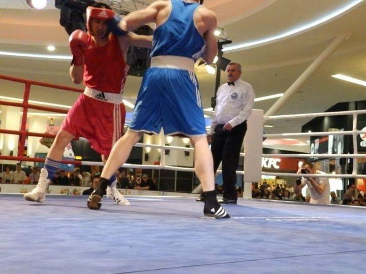 Gală cu cei mai buni boxeri