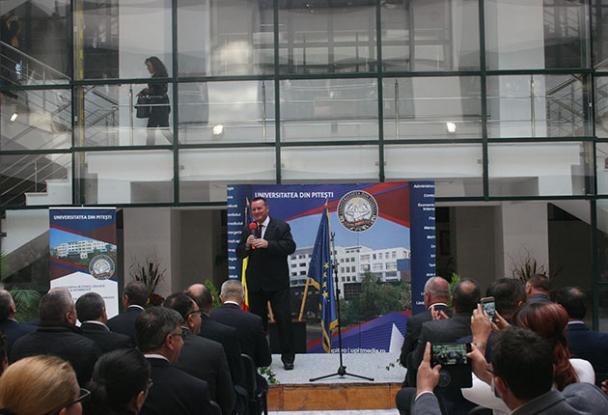 Salon de inventică la Universitatea din Piteşti