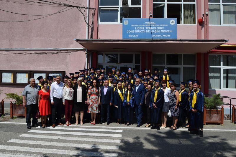 Astăzi, festivitate de absolvire la Liceul Tehnologic Mioveni