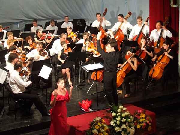 Filarmonica din Piteşti, concert în noul sediu!