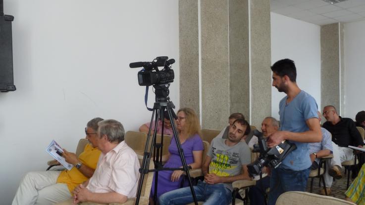 Întâlnire literară la Centrul Cultural Piteşti